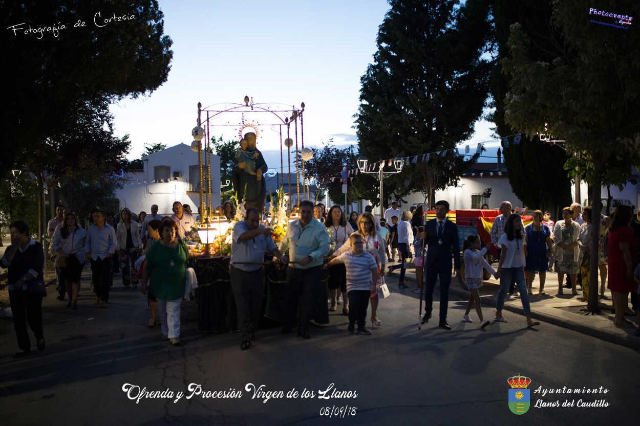 Procesión  en honor a la Virgen de los Llanos
